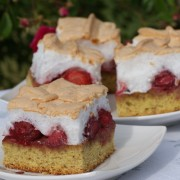 Ciasto truskawkowo-orzechowe